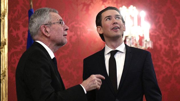 ÖVP-Obmann Sebastian Kurz bei Bundespräsident Alexander Van der Bellen (Bild: APA/HANS PUNZ)