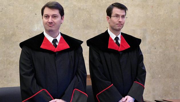 Ihre Anklageschrift steht am dritten Verhandlungstag im Visier: Die Staatsanwälte Denk und Marchart (Bild: APA/HANS KLAUS TECHT/APA-POOL)