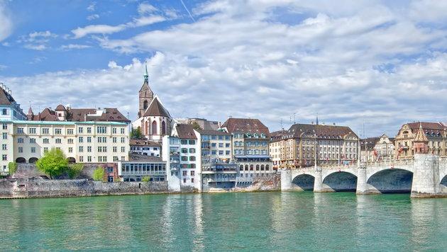 Basel & Co.: Glühwi und Läckerli (Bild: stock.adobe.com)