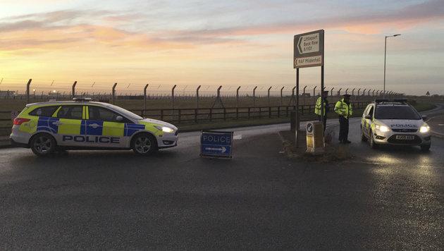 GB: Mann wollte Tore zu US-Airbase durchbrechen (Bild: AP)