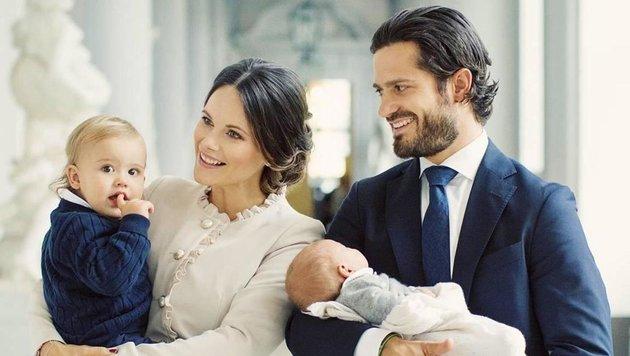 Prinzessin Sofia und Prinz Carl Philip mit den Kindern Alexander (1) und Gabriel (Bild: Wiese/face to face)