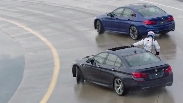 Verrückt: BMW tankt während Rekorddrift (Bild: BMW USA)