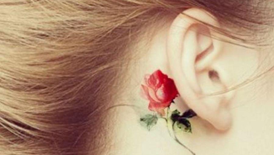 Neuer Trend: Ohren Tattoos  (Bild: instagram.com/_cutegirlytattoos)