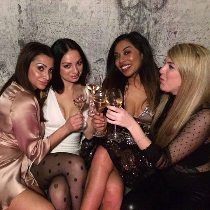 Champagner-Party mit Wiens Playmate! (Bild: Vanessa Licht)