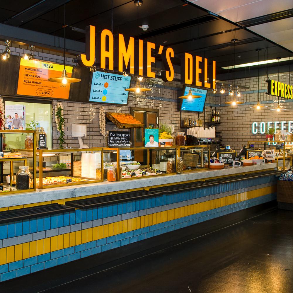 Starkoch Jamie Oliver in Wien gelandet (Bild: PHOTOPAM.COM)