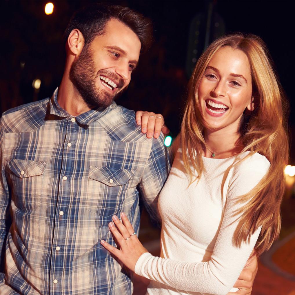 Fünf Outfit-Regeln für das erste Date (Bild: Thinkstockphotos.de)