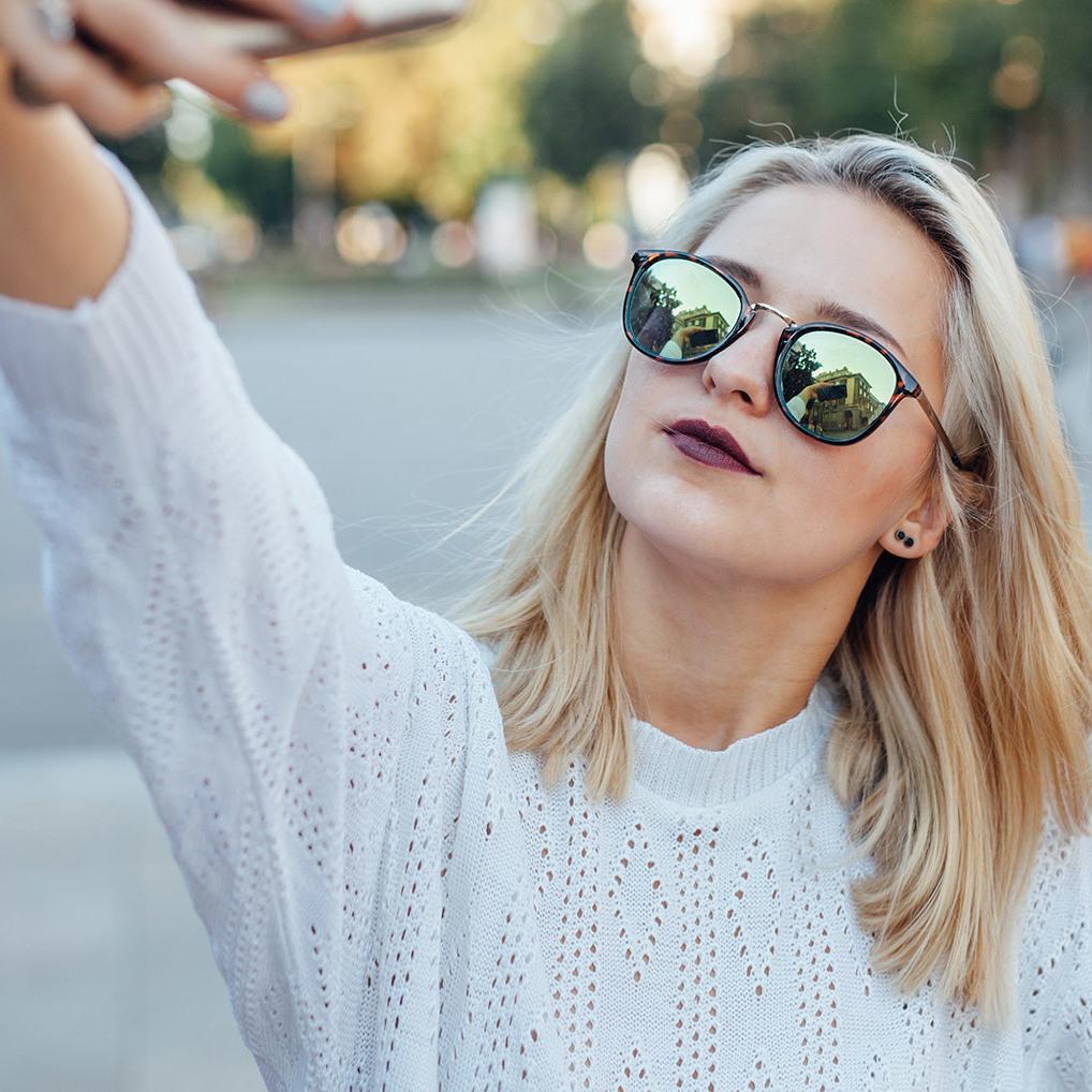 Mit diesem Trick gelingt das perfekte Selfie (Bild: thinkstockphotos)