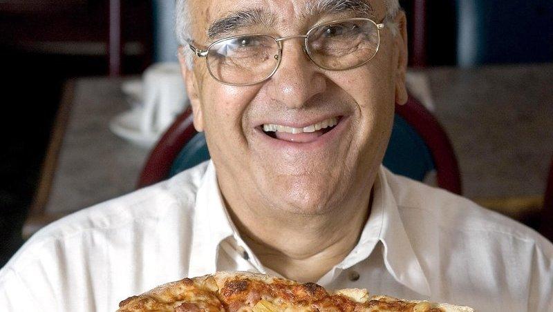 erfinder der pizza hawaii mit 83 jahren gestorben umstrittener belag welt. Black Bedroom Furniture Sets. Home Design Ideas