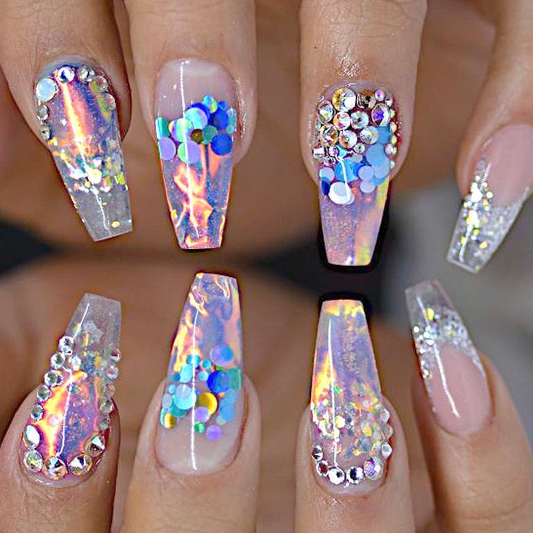 Neuer Style-Trend im Web: Fire & Ice Nails (Bild: instagram.com)