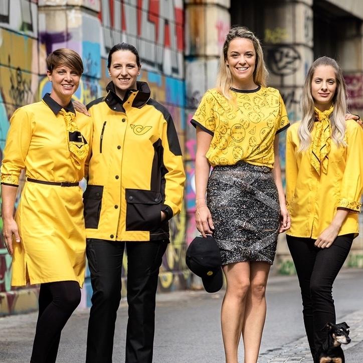 Statt Lack und Leder: Neue Outfits für die Post (Bild: Marina Hoermanseder)