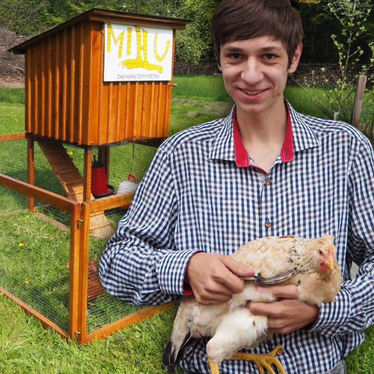 Bauer auf Zeit: Schüler vermietet Hühner an Wiener (Bild: Fabian Gutscher)