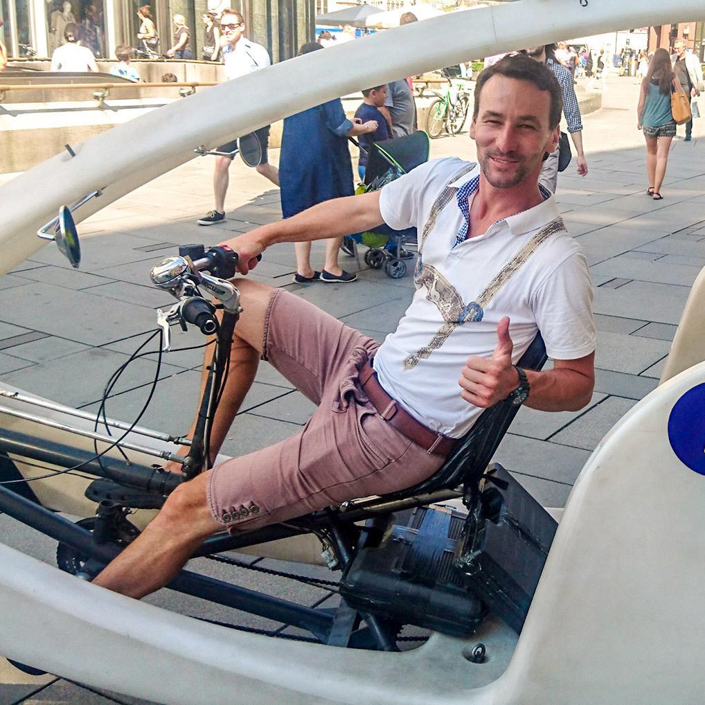 Als Rikscha-Fahrer durch die Wiener Innenstadt (Bild: Faxi)