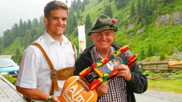 Auf Trattenbachalm in Neukirchen wurde Almsommer eröffnet - Skistar Roland Leitinger & Hans Kröll (Bild: Gerhard Schiel)