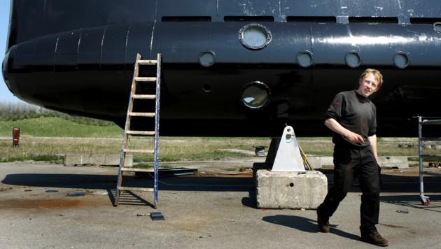 Peter Madsen vor seinem selbst gebauten U-Boot