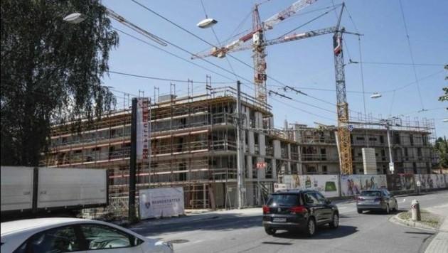 Bau-Offensive in der Stadt: Das Problem sind günstige Einstiegsmieten, die aber ansteigen. (Bild: Markus Tschepp)