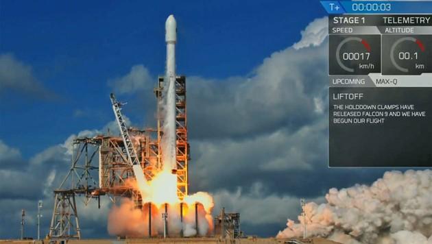 """Der Start von X-37B an Bord einer """"Falcon 9""""-Rakete"""