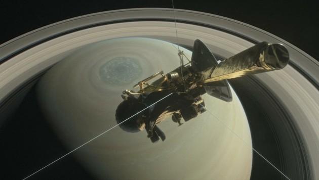 """Die Raumsonde """"Cassini"""" im Orbit um den Saturn (Bild: NASA/JPL-Caltech)"""