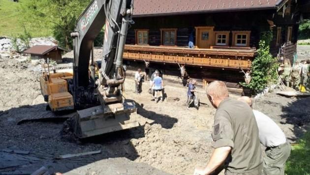 Umfangreiche Aufräumarbeiten in Großarl (Bild: LMC)