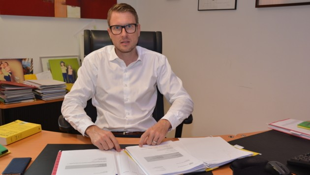 Der Linzer Rechtsanwalt Gernot Weiß vertritt zwei der insgesamt fünf Opfer des untreuen Sachwalters. (Bild: Johann Haginger)