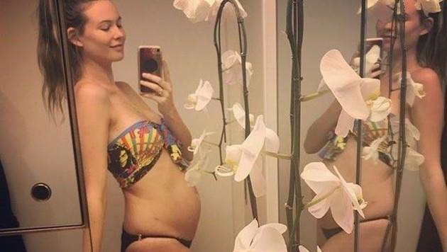 Behati Prinsloo zeigt ihren Babybauch. (Bild: instagram/behatiprinsloo)