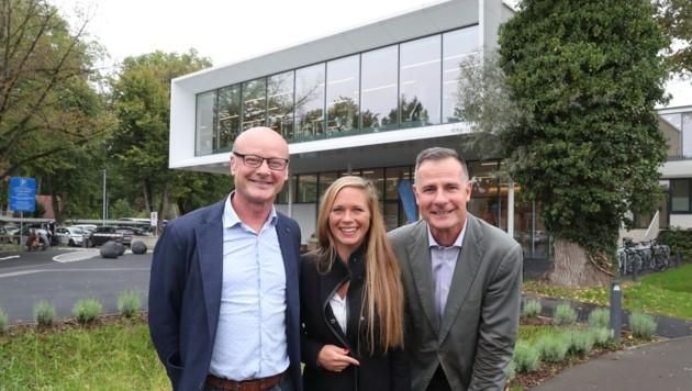 Therapieleiter R. Weber, Marketingchefin S. Schmid und Geschäftsführer S. Feldbaumer (von links) (Bild: Sepp Pail)