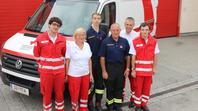 Feuerwehrkameraden der FF Schärding retteten ihren Kameraden Nikolai Gahbauer. (Bild: unbekannt)