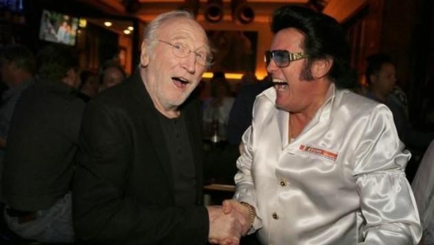 Mit Karl Merkatz, einem langjährigen Freund und Fan (Bild: Rusty Management International)