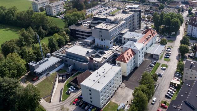 Das Landeskrankenhaus Kirchdorf in Oberösterreich (Bild: APA/FOTOKERSCHI.AT/WERNER KERSCHBAUMMAYR)
