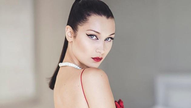 Bella Hadid kriegt dank extravagantem Lidstrich einen sexy Augenaufschlag. (Bild: instagram.com/diormakeup)