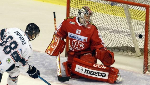 Der finnische Torhüter Pekka Tuokkola spielte bis 2016 zwei Saisonen beim KAC. (Bild: APA/GERT EGGENBERGER)
