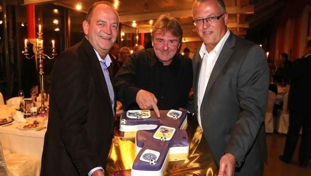 Happy Birthday! Herbert Prohaska (li.) und Franz Wohlfahrt (re.)Geburtstagskind Ogris.