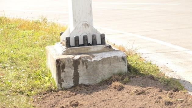 Die Säule, in die Bernhard Speer mit seinem Wagen gekracht ist.