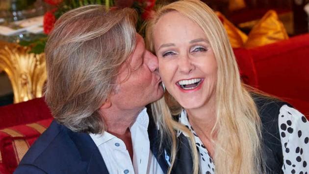 """Marek und Bach (sie schrieb Helene Fischers Hit """"Atemlos"""") verliebt in Wien (Bild: Starpix/ Alexander TUMA)"""