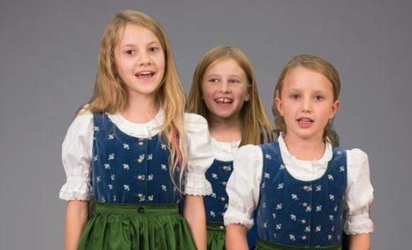 Trapp-Kinder: Alisa Rotthaler, Aurelia Plasse, Marie Jurtin (v.l.) (Bild: SL/Anna-Maria Löffelberger)