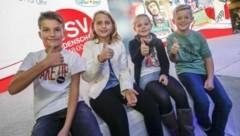 Vier von 20 glücklichen Gewinnern: Matthias, Diana, Maria und Simon (Bild: Markus Tschepp)