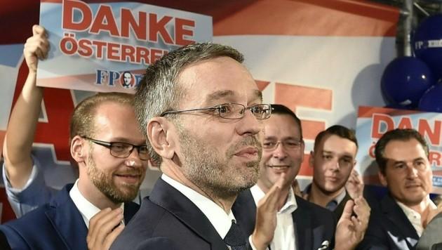 FPÖ-Generalsekretär Herbert Kickl in der Wahlzentrale (Bild: APA/HANS PUNZ)