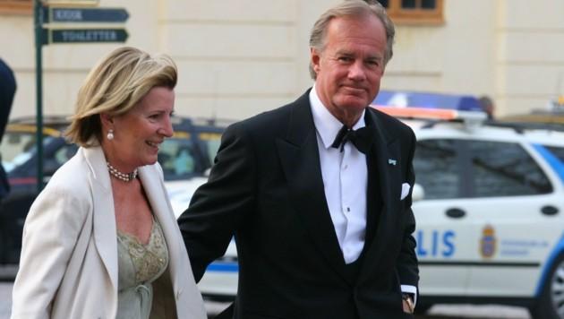 Stefan Persson mit Ehefrau Carolyn Denise auf dem Weg zum 60. Geburtstag von König Carl Gustaf XVI. (Bild: B & G Group AB ImagineScan/face)