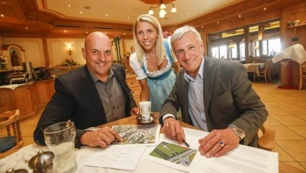 Im Laschensky: Maislinger, Junior-Chefin Lydia Hauthaler und Preuner,r. (Bild: Markus Tschepp)