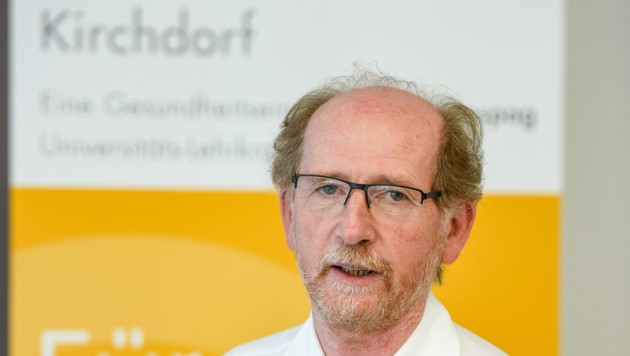 Oswald Schuberth ist Ärztlicher Leiter im LKH Kirchdorf (Bild: FOTOKERSCHI.AT/KERSCHBAUMMAYR)