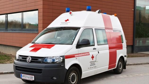 Der 53-Jährige starb noch an der Unfallstelle an seinen schweren Verletzungen. (Bild: Österreichisches Rotes Kreuz (ÖRK) / LV NÖ / Stefan Gahr)