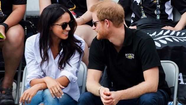 Verliebt: Meghan Markle und Prinz Harry (Bild: AP)