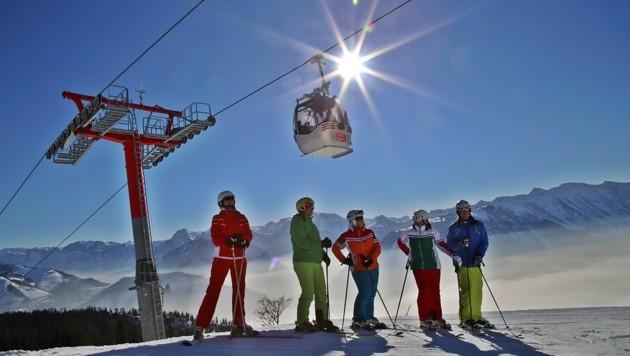Für viele Oberösterreicher sind ihre Ski die Bretter, die die Welt bedeuten. (Bild: Marion Hörmandinger)