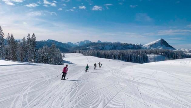 Obwohl es länger nicht danach aussah, geht der Skibetrieb auf der Postalm im Dezember weiter. (Bild: www.postalm.com)