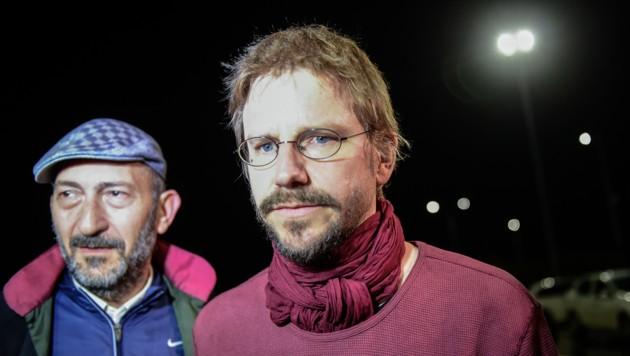 Peter Steudtner war nach seiner Freilassung die Erleichterung sichtlich anzumerken. (Bild: APA/AFP/YASIN AKGUL)