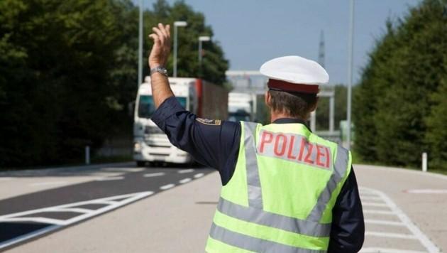 Den Anhalteversuchen der Polizei widersetzte sich der Lenker. (Bild: Polizei)