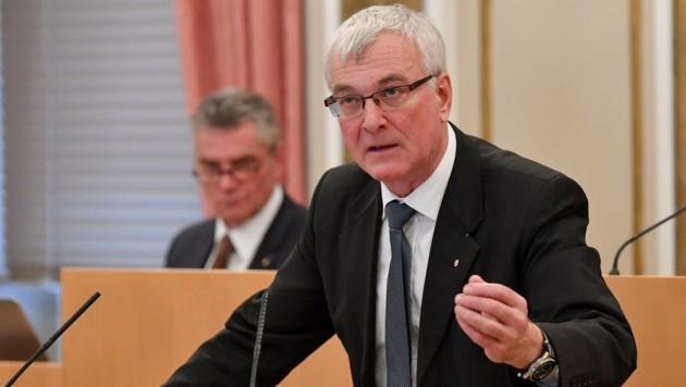 FPÖ-Landesrat und Gemeindereferent Elmar Podgorschek gab seinen Rücktritt bekannt. (Bild: Harald Dostal)