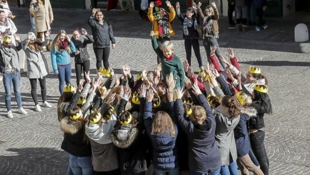 Gekonnte hoben die Schüler ihren Prinzen in die Höhe (Bild: Markus Tschepp)