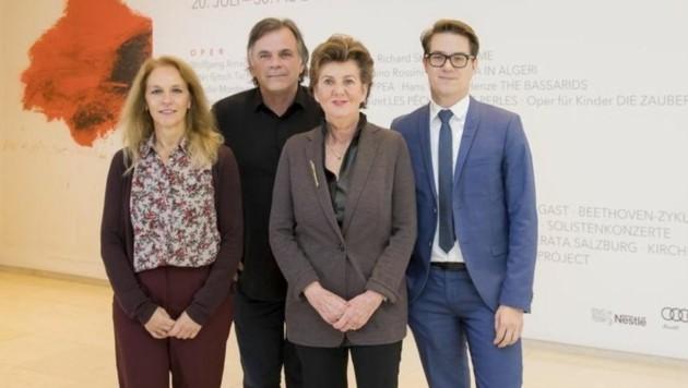 "Bettina Hering, Markus Hinterhäuser, Helga Rabl-Stadler und ""Kaufmann"" Lukas Crepaz (Bild: Neumayr/Leo)"