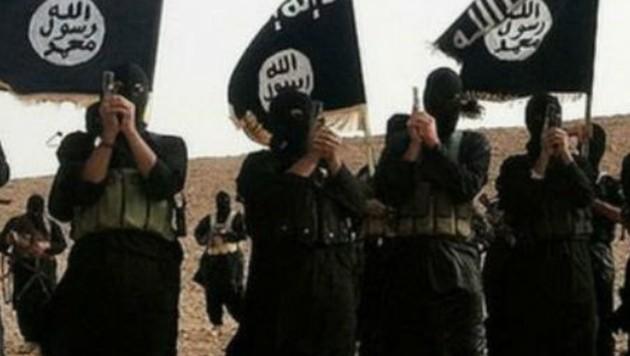 Kämpfer der IS-Terrormiliz (Bild: twitter.com)