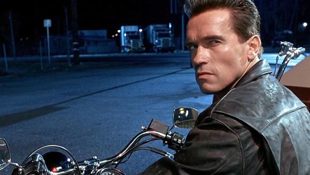 """Arnold Schwarzenegger in seiner Paraderolle in """"Terminator 2"""" (1991) (Bild: IMDB)"""